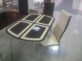 Стол с рисунком