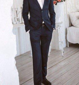 Костюм мужской (брюки и пиджак)