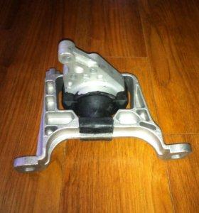 Опора подушка кронштейн двигателя Mazda 3 -08 1.6