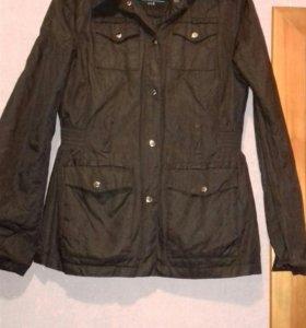 Продаю новую куртку осень весна колинс s