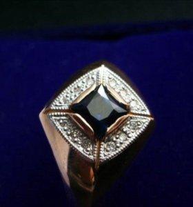 Новое кольцо (перстень) с сапфиром и бриллиантами