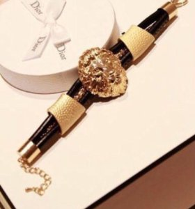 Браслет Versace)