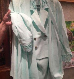 Костюм новый тройка голубой юбка пиджак рубашка
