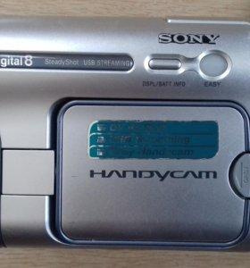 Видеокамера SONY DCR-TRV265E.