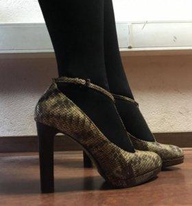 Туфли кожаные под питона 38 размер