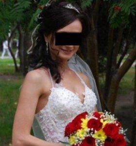 Свадебное платье очень красивое и счастливое