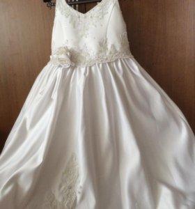 Продаю красивое платье, для принцессы