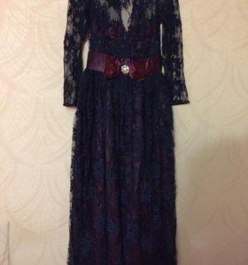 Платье гипюровое темно синее .очень .красивое .