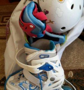 Комплект (ролики, защита, шлем, сумка)