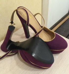 Туфли с открытой пяткой фиолетового цвета
