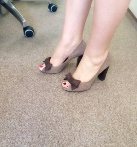 Туфли замшевые с бантиком