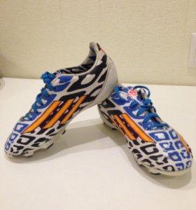 Сороконожки Adidas F10
