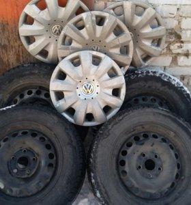 Зимняя липучка на дисках с колпаками VW