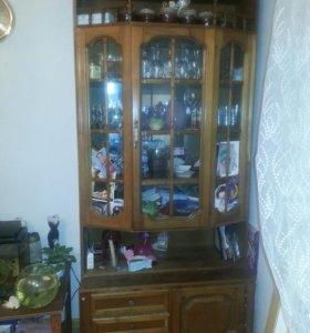 2предмета мебели,сервант+шкаф платяной одной серии