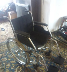 Инвалидная коляска. 44см ширина сиденич