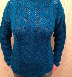 Женский пуловер ручной работы