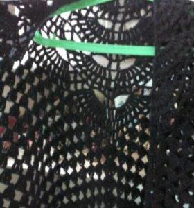 Черная вязанная шаль ручной работы