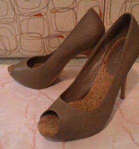Туфли новые. 39 размер