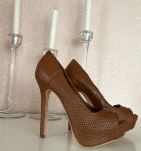 Туфли рыжие Bershka новые