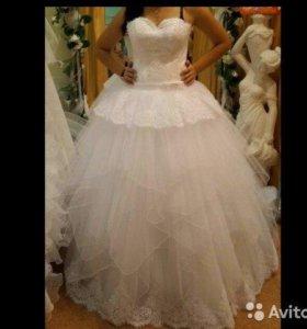 Счастливое свадебное платье)))