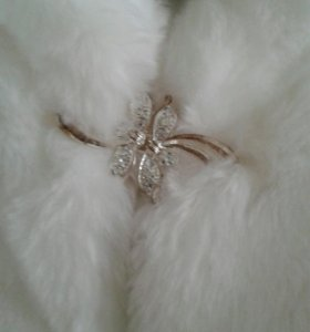Шубка к свадебному платью.