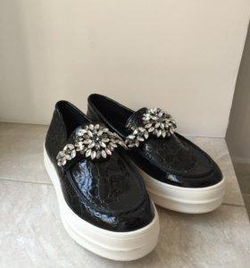 Новые лоферы, женские ботинки
