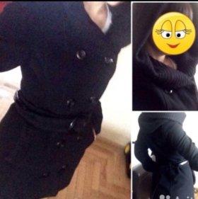 Пальто черное классическое.