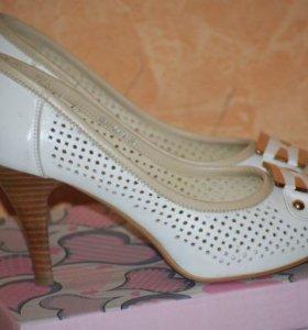 Белые туфли кожа