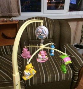 Детская музыкальная игрушка на кроватку