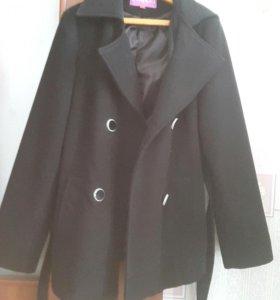 Пальто черное р-р  46-48