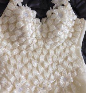 Свадебное платье цвет Айвори . Размер 46-48