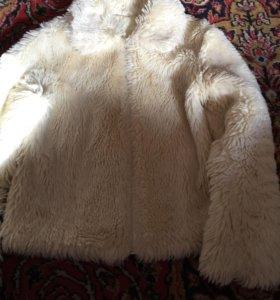 Куртка меховая, размер S.