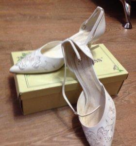 Свадебные туфельки Louisa Peeress
