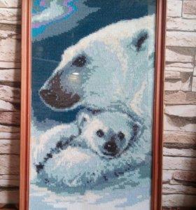 """Картина вышитая крестиком """"Медведица"""""""