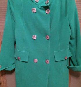 Пальто цвет зелёный 50 размер