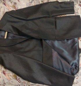 Продам новый классический костюм (двойка)размерM-L