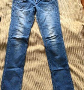 Летние джинсы 44р