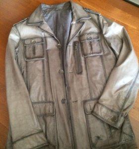 Кожаная куртка на 48-50 размер