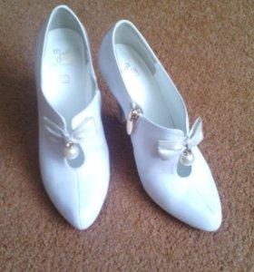 Продам новые.красивые и очень удобные туфли