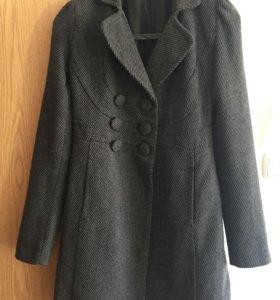 Пальто 42р.