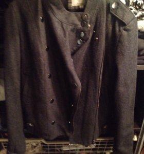 Пальто размер М-L!