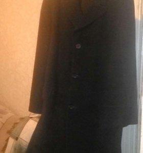 Продаю пальто новое 188-108-96