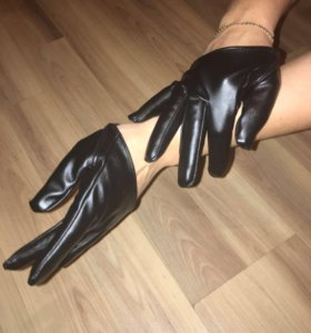 Новые перчатки.