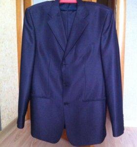 Брючный костюм(рубашка в подарок)