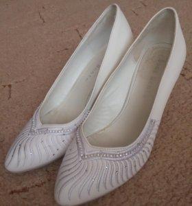 Свадебные туфли, 37 размер.