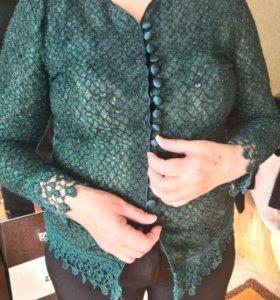 Новые Блузка красивая на женщину и пиджак