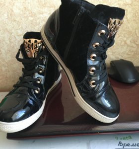 Ботинки для девочки 36р