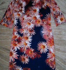 Платье новое не ношено 44размера