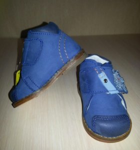 Новые ботинки 18 размер