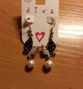 Серёжки-бабочки Diva